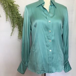 Trina Turk Size Medium Button Down Blouse
